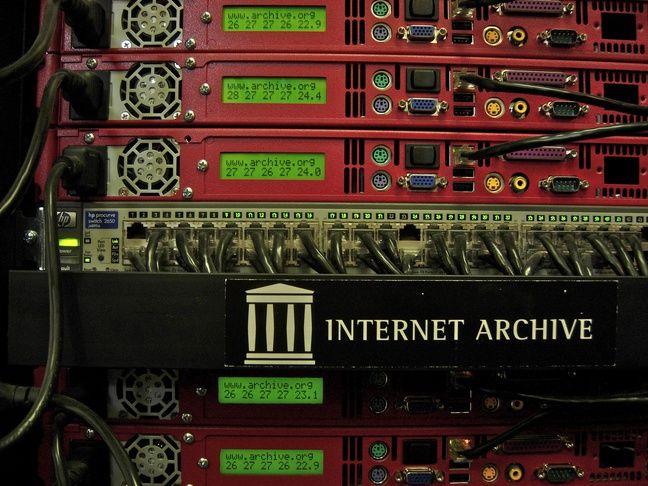 Une Petabox de la fondation Internet Archive, conçue pour stocker un pétabyte (un million de gigabytes) de données.