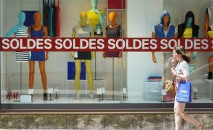 Lancement des soldes d'été à Nantes en juin 2012.