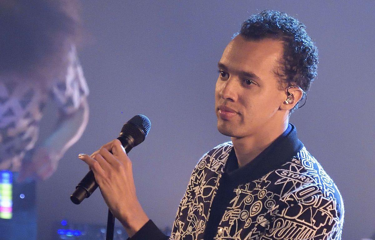 Le chanteur, rappeur, auteur-compositeur-interprète et écrivain franco-rwandais Gaël Faye en concert au Trianon, en avril 2017. – SADAKA EDMOND/SIPA