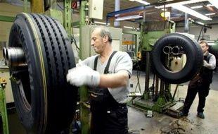 L'équipementier allemand Continental a annoncé mercredi la fermeture de deux sites de production de pneus en Europe, dont celui de Clairoix en France où sont employés 1.120 personnes.