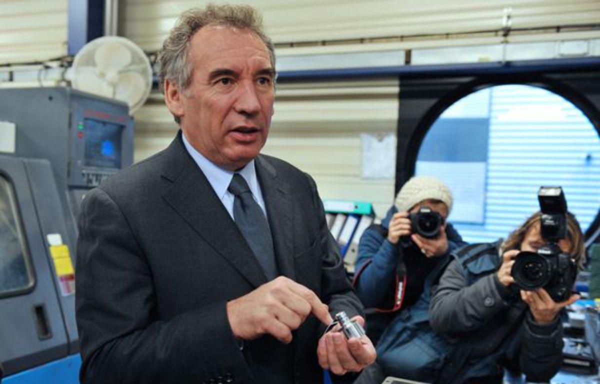 François Bayrou, président du MoDem et candidat à la présidentielle de 2012, en visite à Sully-sur-Loire, dans le Loiret, le 16 décembre 2011. – ALAIN JOCARD / AFP