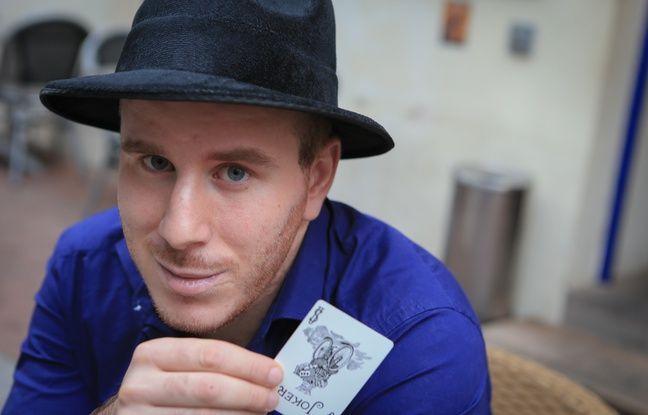 Markobi manie les cartes mais surtout la psychologie de son audience.