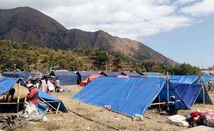 Des habitations temporaires pour les milliers de personnes qui ont perdu leur habitation, le 6 août 2018.
