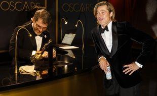 L'acteur Brad Pitt et son Oscar