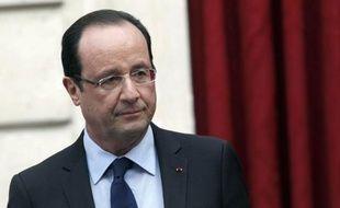 """François Hollande et ses ministres, qui avaient été critiqués pour leurs vacances d'été, promettent de rester en alerte et même de travailler pendant les fêtes de Noël et fin d'année, à la veille d'une """"dure"""" année 2013."""