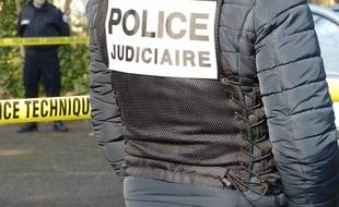 Ecully, le 1er mars 2016. Des policiers participent au tournage d'un clip de recrutement de gardiens de la paix destiné aux réseaux sociaux.