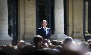 """François Hollande a assuré jeudi """"ne pas être dans une bataille a sein de la gauche"""", répétant que son seul adversaire était """"la droite et Nicolas Sarkozy"""", face à l'ascension dans les sondages du candidat du Front de gauche, Jean-Luc Mélenchon."""