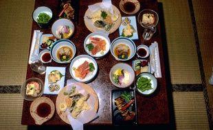 Illustration d'un repas, de plats typiques japonais.