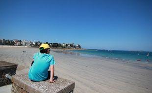 La Bretagne connaît un automne très doux. Ici, la vue de la plage de l'écluse à Dinard.