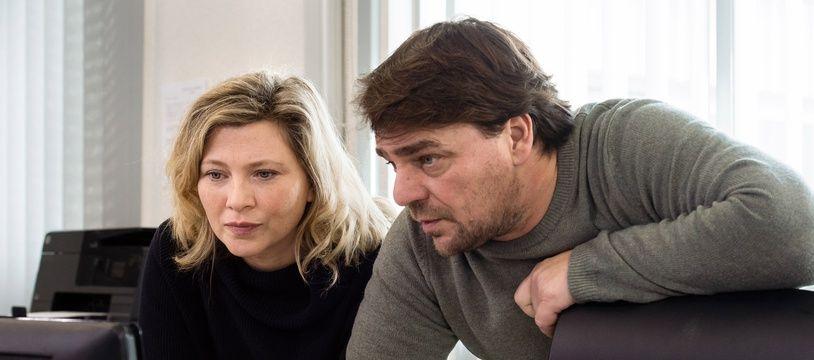 Claire Dalmas (Cecile Bois) et Eric Pavin (Thierry Godard), les personnages principaux de «Meurtre à Sarlat».
