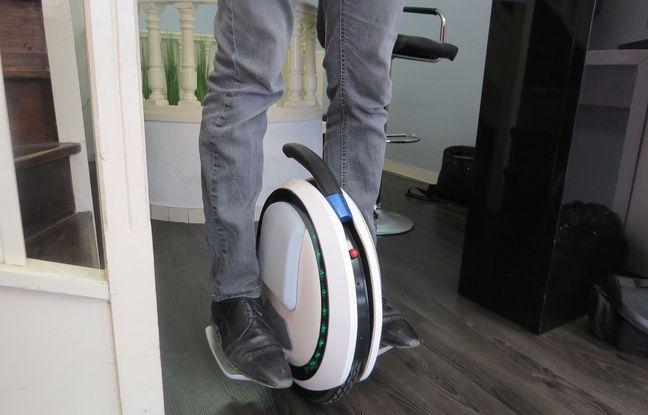video paris l 39 e roue donne l 39 impression de faire du ski sur les trottoirs. Black Bedroom Furniture Sets. Home Design Ideas