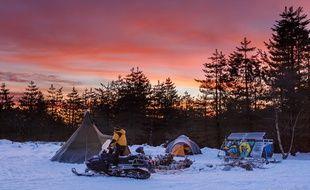 Le bivouac des aventuriers de l'association Tannak Aventures vont mener une expédition au-dessus du Cercle polaire arctique.