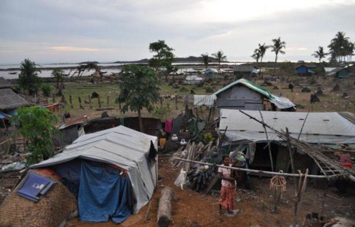 Depuis des générations, les Birmans de Shweri Chai, petite île du golfe du Bengale, extraient seuls le pétrole d'une terre aride. Mais à l'heure où les groupes étrangers convoitent le potentiel énergétique du pays, ils craignent de voir cette manne s'évaporer. –  afp.com