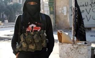 """Les jihadistes britanniques de retour au pays en provenance de Syrie seront interceptés à la frontière et risquent d'être inculpés d'office, a averti samedi un haut responsable de la police exprimant sa """"vive préoccupation"""" sur le sujet."""