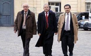 """Entre la menace de l'une des principales composantes de l'islam de France de se retirer des élections de samedi et des accusations de """"chantage"""", le Conseil français du culte musulman (CFCM) peine à mettre un terme à ses dissensions qui l'empêchent de fonctionner depuis deux ans."""