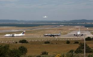 L'aéroport Marseille Provence est collé à l'Etang de Berre et se situe près d'un ruisseau parfois impétueux, la Cadière (photo d'archives).