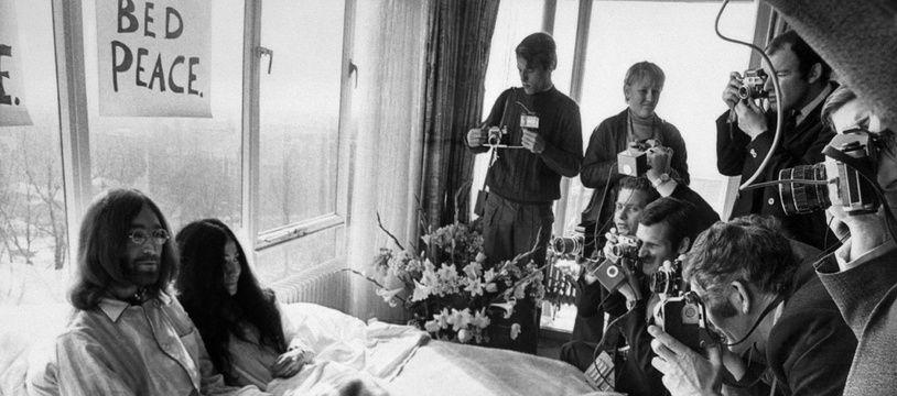 John Lennon et Yoko Ono en mars 1969 dans la chambre du Hilton à Amsterdam.