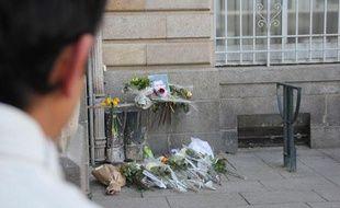 Rassemblement en mémoire de Jérémy Buan, cadre de La Poste qui s'est suicidé à Rennes, le 5 mars 2012.