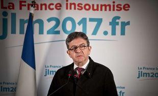 Jean-Luc Mélenchon s'exprime à l'issue du premier tour de la présidentielle, le 23 avril 2017.