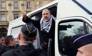 Abdelhakim Sefrioui, arrêté par la police le 29 décembre 2012, lors d'un manifestation non autorisée pour la Palestine, à Paris.