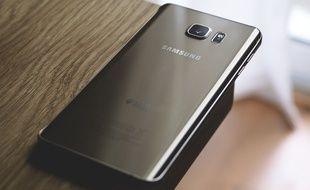Un smartphone Samsung. (Illustration)