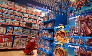 """Les Européens s'apprêtent à célébrer un Noël """"modeste"""", avec des consommateurs qui se serreront la ceinture dans plusieurs pays: certains sont déjà touchés par la rigueur due à la crise de la dette, d'autres s'attendent à l'être en 2012"""