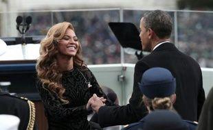 Mais la vraie vedette s'appelle Beyoncé, venue chanter l'hymne américain en conclusion de la cérémonie. L'année dernière, elle et son mari Jay-Z étaient assis parmi le public, dans les sièges VIP.
