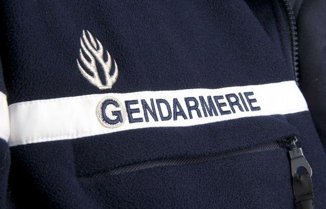 Dordogne: Deux corps découverts carbonisés dans une voiture en feu
