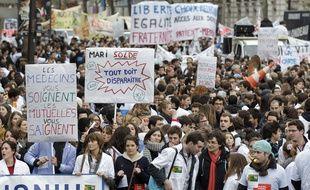 Illustration d'une manifestation des étudiants en médecine