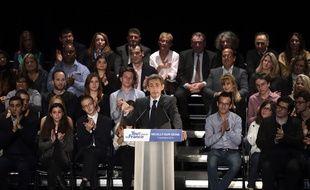 Nicolas Sarkozy dans son fief de Neuilly le 7 novembre 2016