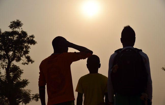 Bangui (Centrafrique). Trois enfants qui disent avoir été abusés par des militaires de la force Sangaris.