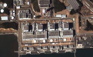 Images satellite de la centrale nucléaire de Fukushima, au Japon, où s'est produite une explosion le 12 mars 2011.