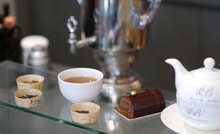 Le thé noir violette de Betjeman & Barton, idéal pour accompagner une bûche au chocolat noir