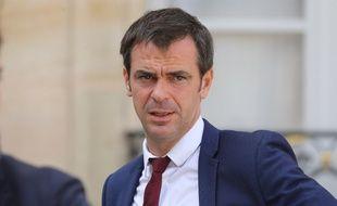 Olivier Véran est nommé ministre de la Santé, en remplacement d'Agnès Buzyn.