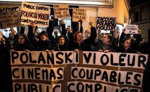 Des dizaines de féministes ont bloqué, mardi 12 novembre 2019, une avant-première du «J'accuse» de Polanski.