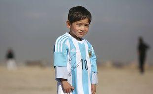 Murtaza, le petit Afghan qui avait fait le tour d'Internet avec son maillot de Messi en plastique, ne rencontrera finalement pas son idole.