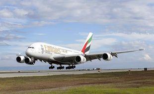 Un A380 d'Emirates à l'aéroport de San Francisco, le 1er décembre 2014.