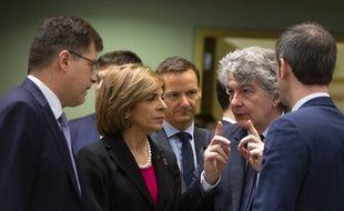 Le commissaire européen Thierry Breton appelle l'Allemagne à accepter la mise en place d'emprunts exceptionnels dans le cadre de la crise liée au coronavirus.