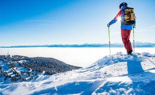 Le sommet de la station des Rousses, dans le Haut-Jura, avec une vue à 360° sur la chaîne des Alpes et le lac Léman.