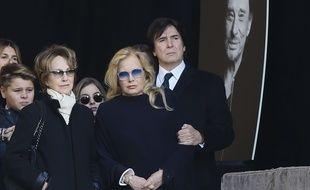 Nathalie Baye et Sylvie Vartan lors de la cérémonie en hommage à Johnny à la Madeleine, à Paris le 9 décembre 2017.