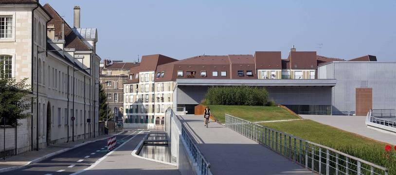 Municipales 2020: Troyes, dans l'Aube, développe l'enseignement supérieur.