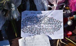 Hommage aux victimes de l'attentat de la Promenade des Anglais.