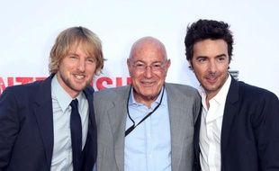 Le producteur hollywodien Arnon Milchan (centre), aux côtés de l'acteur Owen Wilson et du réalisateur de «The Intership», Shawn Levy.