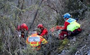 L'intervention des pompiers spécialisés du Grimp a été nécessaire pour extraire le cycliste.