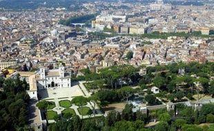 La police financière italienne a annoncé lundi que ses contrôles lui avaient permis de découvrir l'an dernier plus de 50 milliards d'euros de revenus non déclarés à l'administration fiscale, alors que le pays très endetté a renforcé la chasse aux fraudeurs
