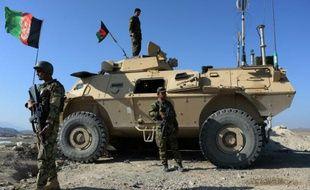 Des forces de sécurité afghanes lors d'une opération contre la rebellion islamiste à Achin dans la province de Nangarhar, le 1er décembre 2015