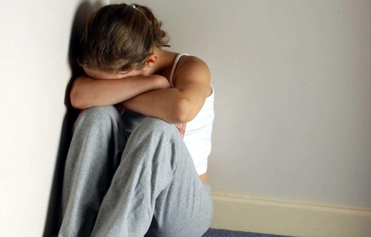 Illustration d'une adolescente en détresse.  – BARKLIE/REX FEATURES/SIpa