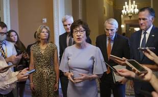La sénatrice républicaine Susan Collins, aux côtés de Mitt Romney, Lisa Murkowski et Rob Portman annoncent avoir trouvé un accord avec les démocrates sur une enveloppe de dépenses pour les infrastructures.