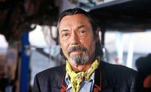 Philippe Bruneau sur le tournage du feuilleton La Tribu, 1996.