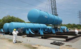 Les cuves utilisées pour la décontamination des eaux radioactives de la centrale nucléaire de Fukushima, le 9 juin 2011.
